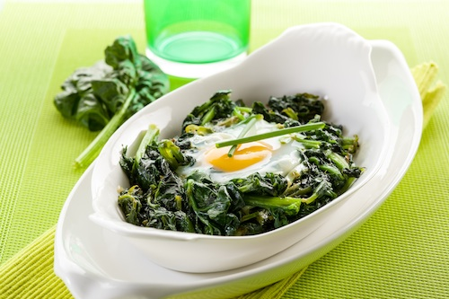 baked-eggs-with-spinach